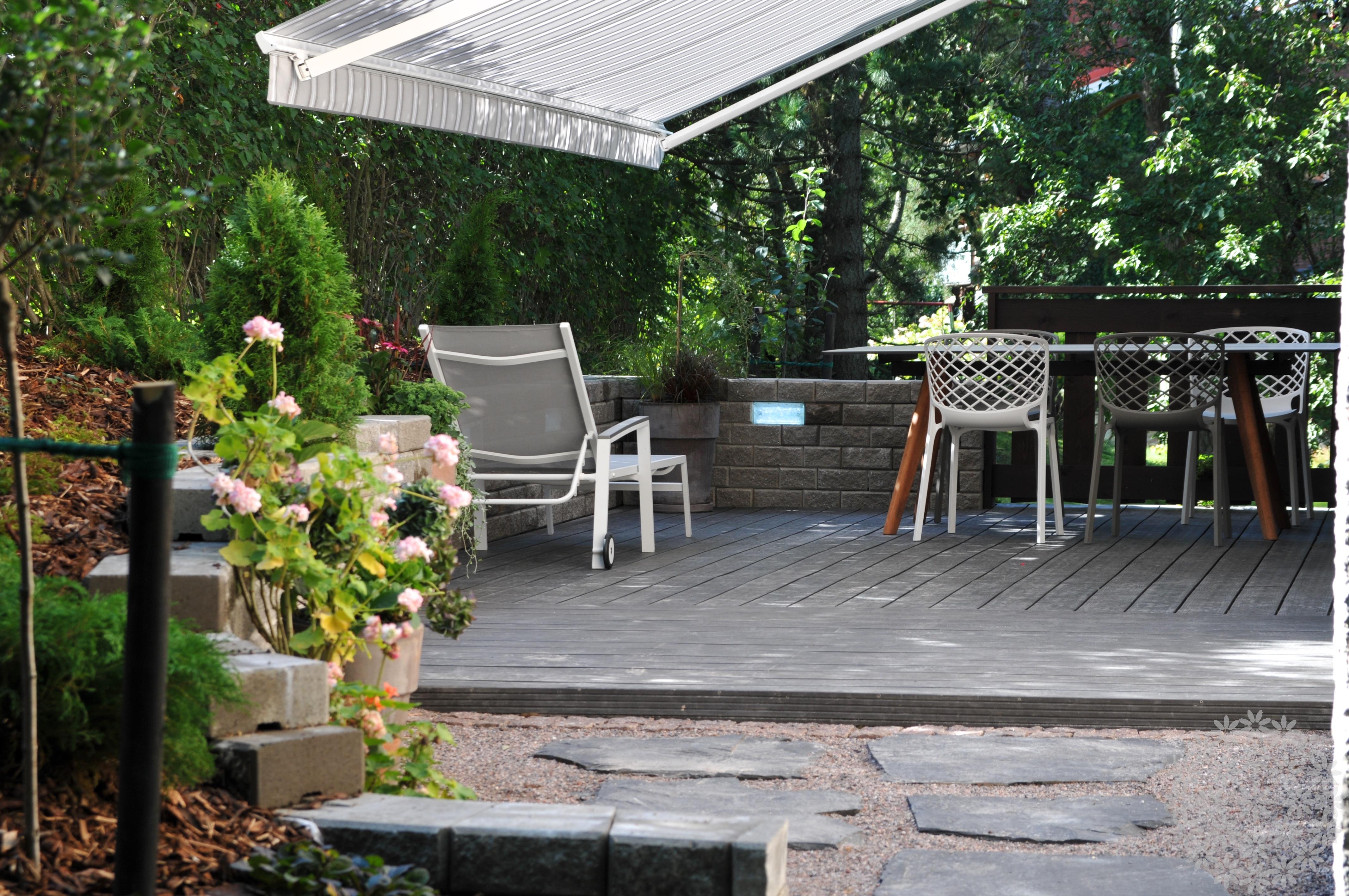Pieni piha rinteeseen – oma puutarha kantakaupungissa