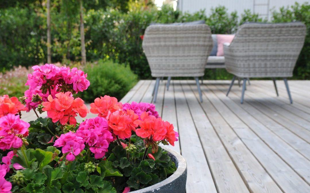 Puuterassi laattojen päälle – pieni, mutta OLEELLINENmuutos